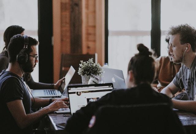 3 maneras de aprovechar capacitación virtual en empresas